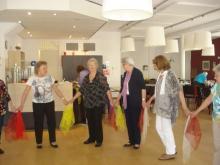 Volkdansen in het Dienstencentrum
